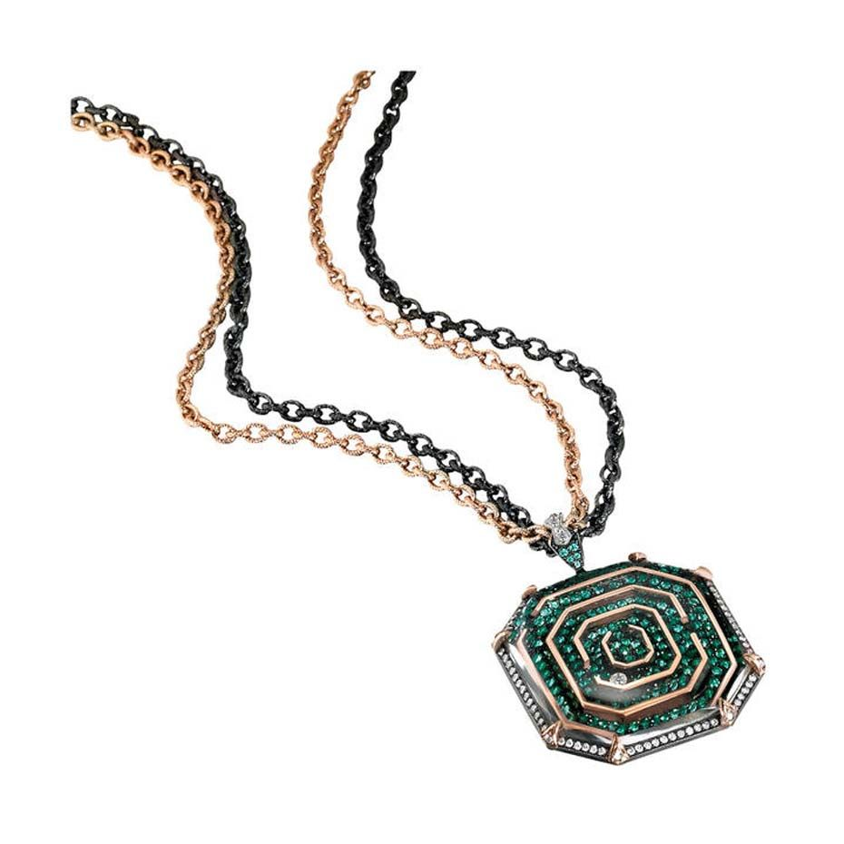 medallion necklace 006.jpg